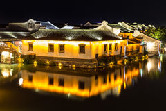 Nattplats av forntida byggnad i Wuzhen Kina Arkivfoton
