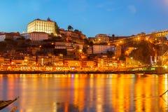 Nattplats av Porto, Portugal Royaltyfri Foto