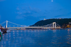 Nattplats i Budapest, Ungern Arkivbilder