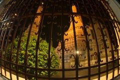 Nattplats på huvudsakliga Prang av Wat Arun Ratchawararam Ratworamahawihan Temple av gryning Fotografering för Bildbyråer