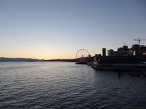 Nattplatsen i stranden parkerar med Ferris Wheel Fotografering för Bildbyråer