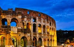 Nattplatser av Rome Colosseum Arkivbild