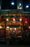 Nattrestaurang på en Lavalle gata i Buenos Aires Arkivfoto
