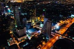Nattsikt över den Bangkok staden, Thailand Arkivfoto
