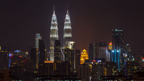 Nattsikt över i stadens centrum Kuala Lumpur Royaltyfri Bild