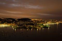 Nattsikt över Rio de Janeiro från det Sugar Loaf maximumet Royaltyfria Bilder