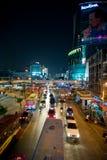 Nattsikt av Bangkok gator Royaltyfri Foto