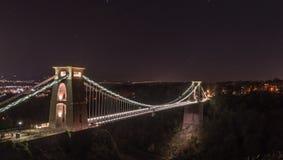 Nattsikt av Clifton Suspension Bridge Bristol England Arkivbilder