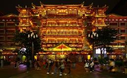 Nattsikt av dafotemplet eller den storslagna buddha templet på guangzhou, porslin arkivfoto