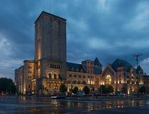 Nattsikt av den imperialistiska slotten på Poznan Royaltyfria Foton