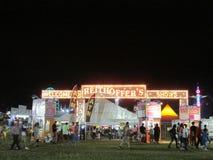 """Nattsikt av den norr festivalen för Brunswick ungdomsportar i NJ USA Ð """", Arkivbilder"""