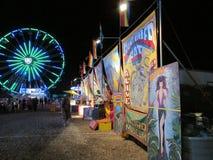 """Nattsikt av den norr festivalen för Brunswick ungdomsportar i NJ USA Ð """", Arkivfoto"""