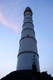 Nattsikt av det Bhimsen tornet (Dharahara) i Katmandu, Nepal Arkivfoto