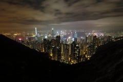 Nattsikt av det Victoria för Hong Kong stadsform maximumet Royaltyfria Bilder