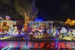 Nattsikt av härlig jul i godisen Cane Lane Royaltyfri Foto