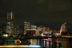 Nattsikt av japanYokohama port Royaltyfri Foto