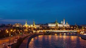 Nattsikt av Kreml, Moskva, timelapse stock video
