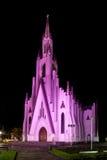Nattsikt av kyrkan av Cristo Rei - Bento Goncalves - RS - behå Royaltyfri Foto