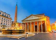Nattsikt av panteon, Rome, Italien Fotografering för Bildbyråer