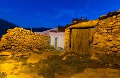 Nattsikt av pittoreska gamla hus Royaltyfri Foto