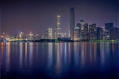 Nattsikt av Zhujiang den nya staden Royaltyfria Foton