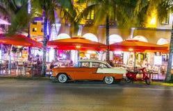 Nattsikt på havdrev i södra Miami Arkivfoton