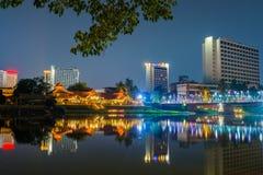 Nattsikt Ping River Chiang Mai Arkivfoto