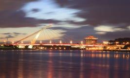 Nattsikten av den Dazhi bron Fotografering för Bildbyråer