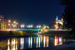 Nattsikter av staden Vilnius Arkivfoto