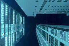 Nattskyskrapor fotografering för bildbyråer