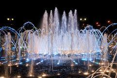 Nattspringbrunn i Tsaritsino Royaltyfri Bild