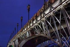 Nattstad av nattMoskva, den patriark- bron Fotografering för Bildbyråer