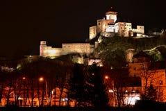 Nattstad - slott i Trencin Royaltyfri Fotografi