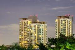 Nattstadsscape på Bangkok Arkivbild
