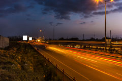 Natttrafik i Bangalore Arkivbilder
