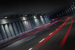 Natttrafik i tunnel Royaltyfri Fotografi