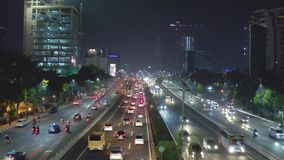 Natttrafik på den Jakarta avgiftvägen arkivfilmer