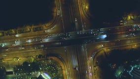 Natttrafik på vägutbyte och flygparad lager videofilmer