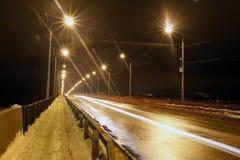 Nattväg och ljusa linjer Royaltyfria Foton