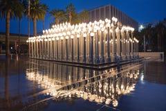 Nattyttersida av stads- ljus för börda på LACMA Fotografering för Bildbyråer