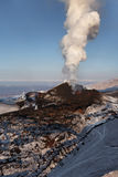 Natur av Kamchatka: utbrottTolbachik vulkan Arkivbild