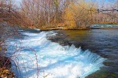 Natur av Niagara Falls från den amerikanska sidan Royaltyfri Bild