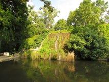 Natur in den städtischen Parks von Europa-Städten Stockfoto