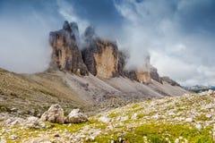 natur för berg för sammansättningsliggandemorgon royaltyfria bilder