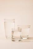 Natur rening, friskhet glass rent vatten Royaltyfri Foto