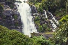 Natur-Wasserfälle Lizenzfreie Stockfotografie