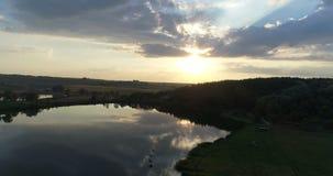 Natura aerea di tramonto del lago del fuco video d archivio