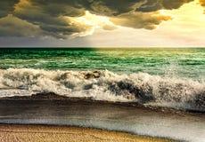 Natura del paesaggio della tempesta del mare con il raggio di sole Fotografie Stock Libere da Diritti