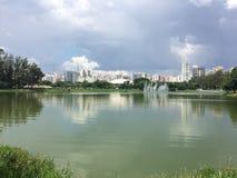 Natura i miasto obrazy stock