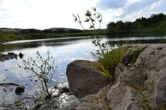 Natura, jezioro, woda, niebo góry, rośliny, zaciszność obraz royalty free